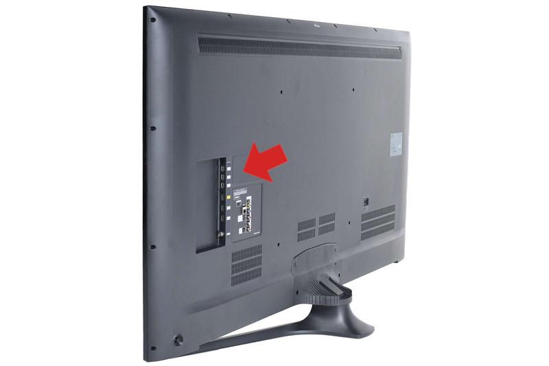 تمامی تلویزیون ها LCD از اولین سری های موجود همگی یک درگاه USB در پشت صفحه دارند که با برق 5 ولتی به آسانی می توانید در مواقع ضروری گوشی خودتان را با آن شارژ کنید. همیشه در سفرها به یاد داشته باشید که اگر شارژ گوشی همراهتان نبود کابل ان برای این کار به کار شما خواهد آمد.