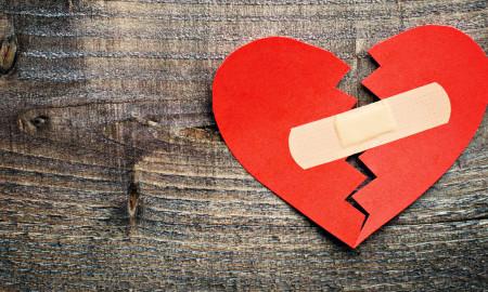 مراقب باشید; دانشمندان ثابت کرده اند که قلب ها واقعا می شکنند.