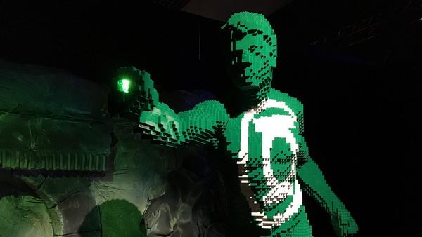 brick-green-lantern