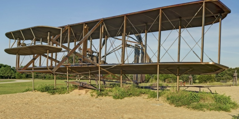 wright-brothers-memorial-768x384-c