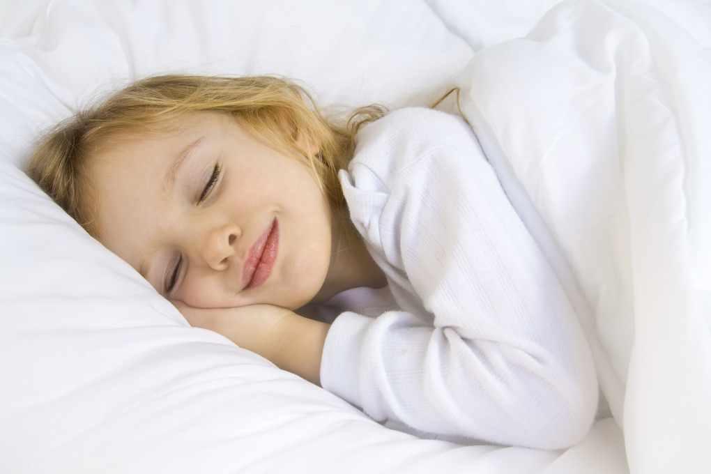دیر خوابیدن کودکان فاجعه فواید زود خوابیدن کودک