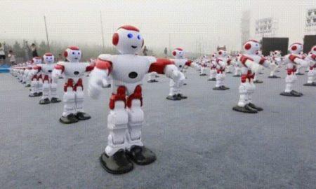 رقص همزمان رباتها