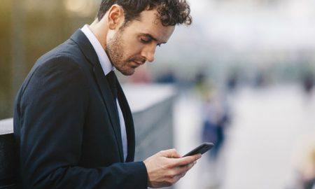استفاده از موبایل و آسیب به ستون فقرات