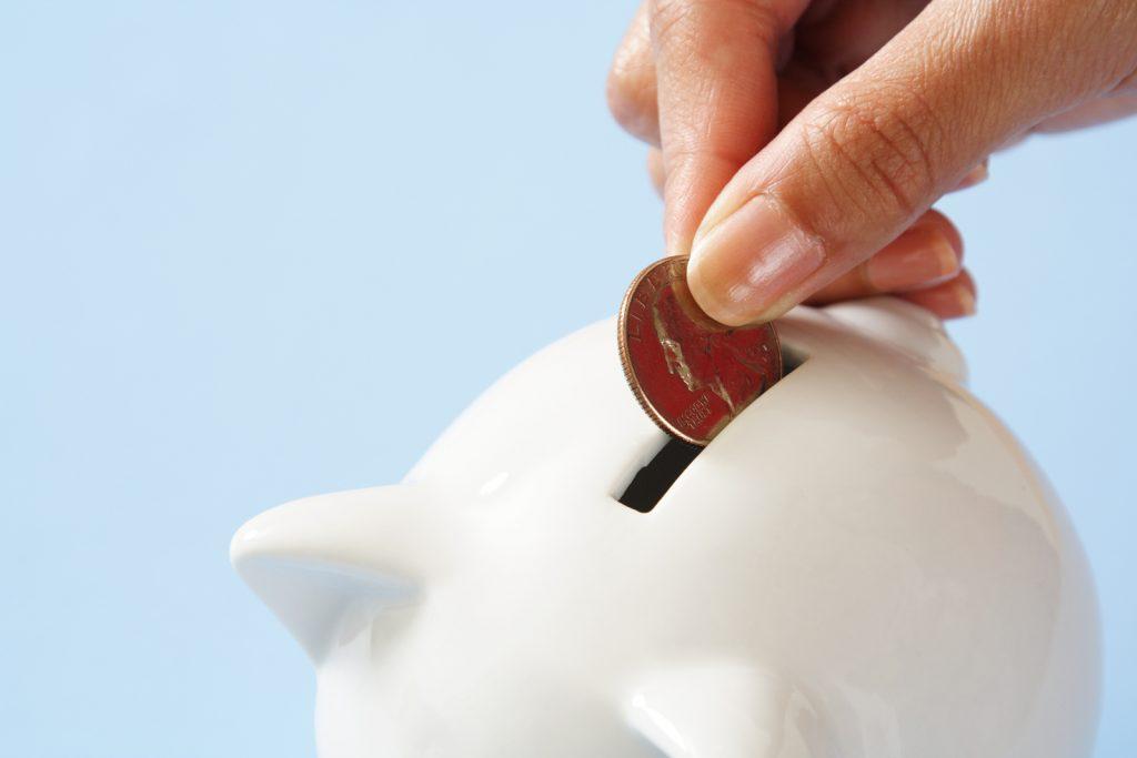 پس انداز کنید، تا مبادا در لحظات سخت مشکلات مالی توان تصمیم گیری را از شما سلب کند