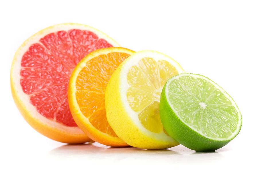 نوشیدن آب لیمو در ابتدای صبح بدن شما را برای جذب بیشتر و بهتر مواد مغذی آماده میکند
