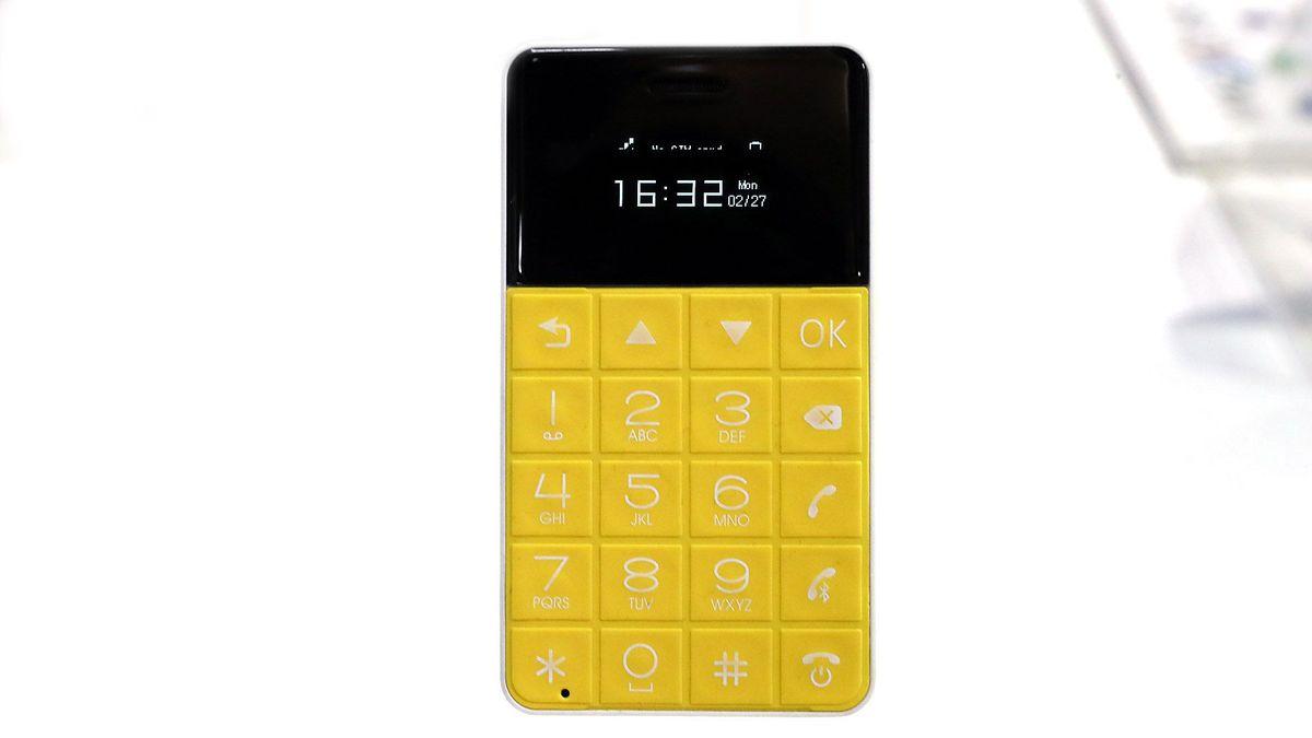 Talkase T3 گوشی در ابعاد کارت ویزیت
