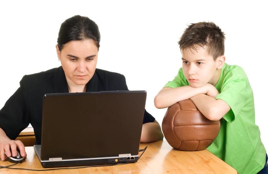 راهنمای والدین شاغل برای محافظت از فرزندان