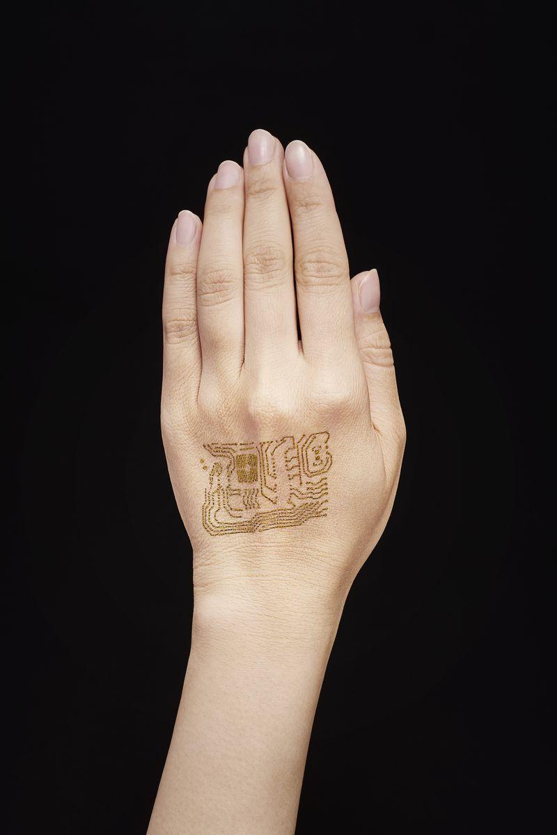 تتوی طلایی انتقال داده روی پوست