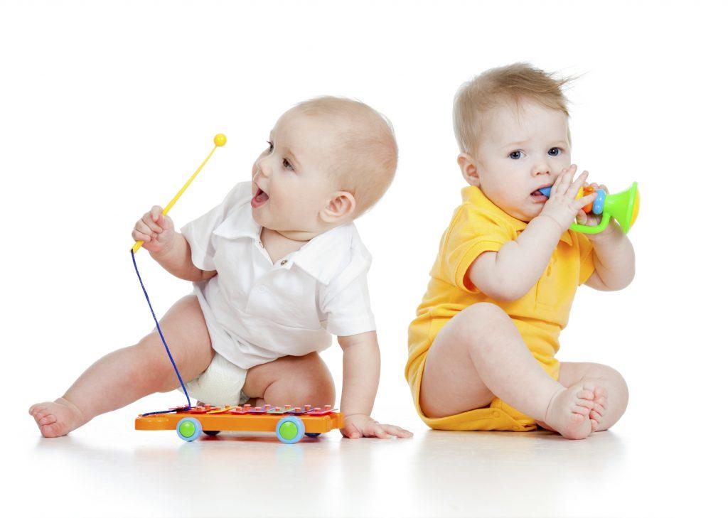 نوزادانی که قبل از هر گونه یادگیری موزیک گوش میدهند راحت تر میتوانند بیاموزند