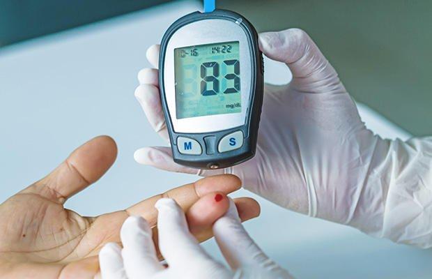بیماران دیابتی و مقاوم به انسولین سوزش و گزگز شدن و خواب رفتن دست و پا را تجربه خواهند کرد