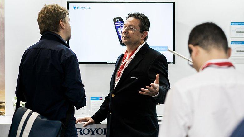 گوشی انعطاف پذیر hybrid Royole