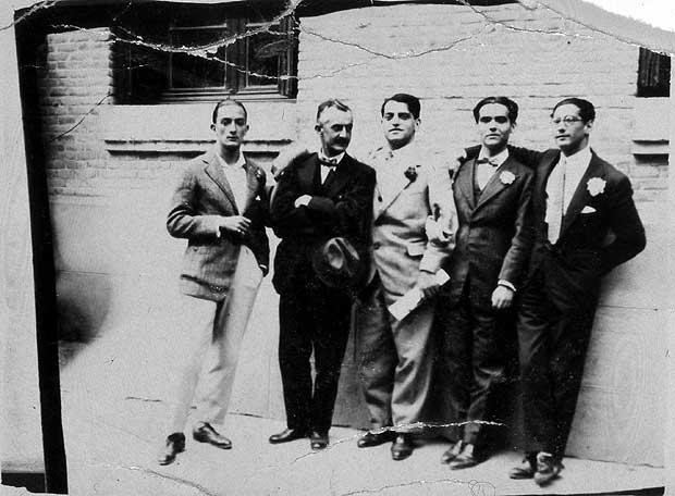 کم حرفی ادبی لوئیس بونوئل متونی را خلق کرد که چون نجات یافتگانی از اعماق، ارزش وجودی بسیاری دارند.