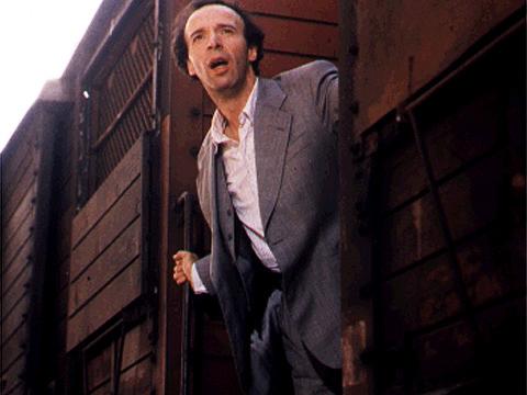 هنرنمایی Roberto Benigni در نقش Guido Orefice در فیلم LIFE IS BEAUTIFUL که حائز جایزه اسکار شد!
