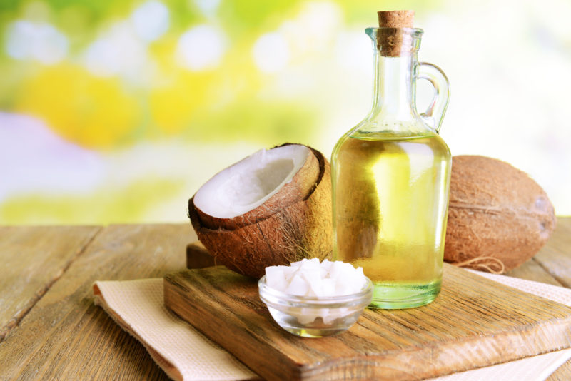 در رژیم غذایی کم کاری تیروئید یکی از مفیدترین مواد غذایی روغن نارگیل است