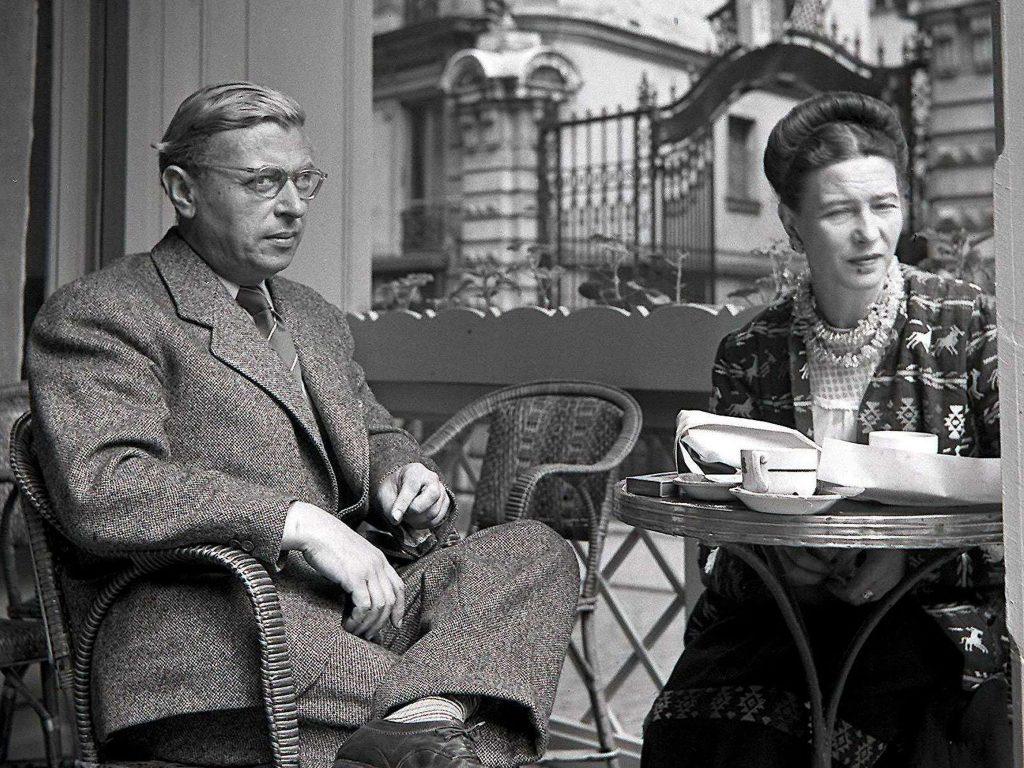 سیمون دوبووار(۱۹۸۶ - ۱۹۰۸) Simone de Beauvoir فیلسوف، نویسنده، فمینیست و اگزیستانسیالیست فرانسوی با نام اصلی سیمون لوسی ارنستین ماری برتراند دوبووار بود که همواره نام او در دنیا به عنوان ادیب و نظریه پرداز فمینیست به چشم میخورد و مطرح است.