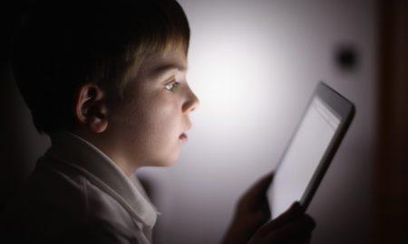 این برنامه از تکنولوژی تشخیص تصویر، برای بهبود ایمنی کودک به صورت آنلاین استفاده می کند