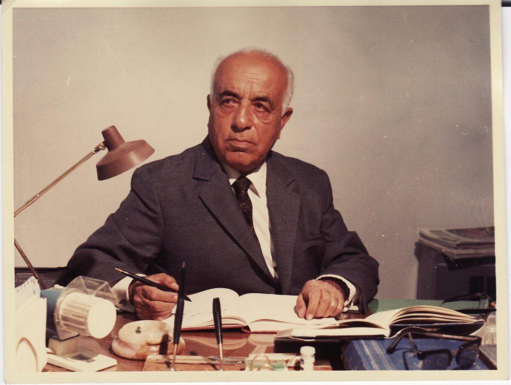 حسین گل گلاب شاعر ترانه ای ایران ای مرز پر گهر