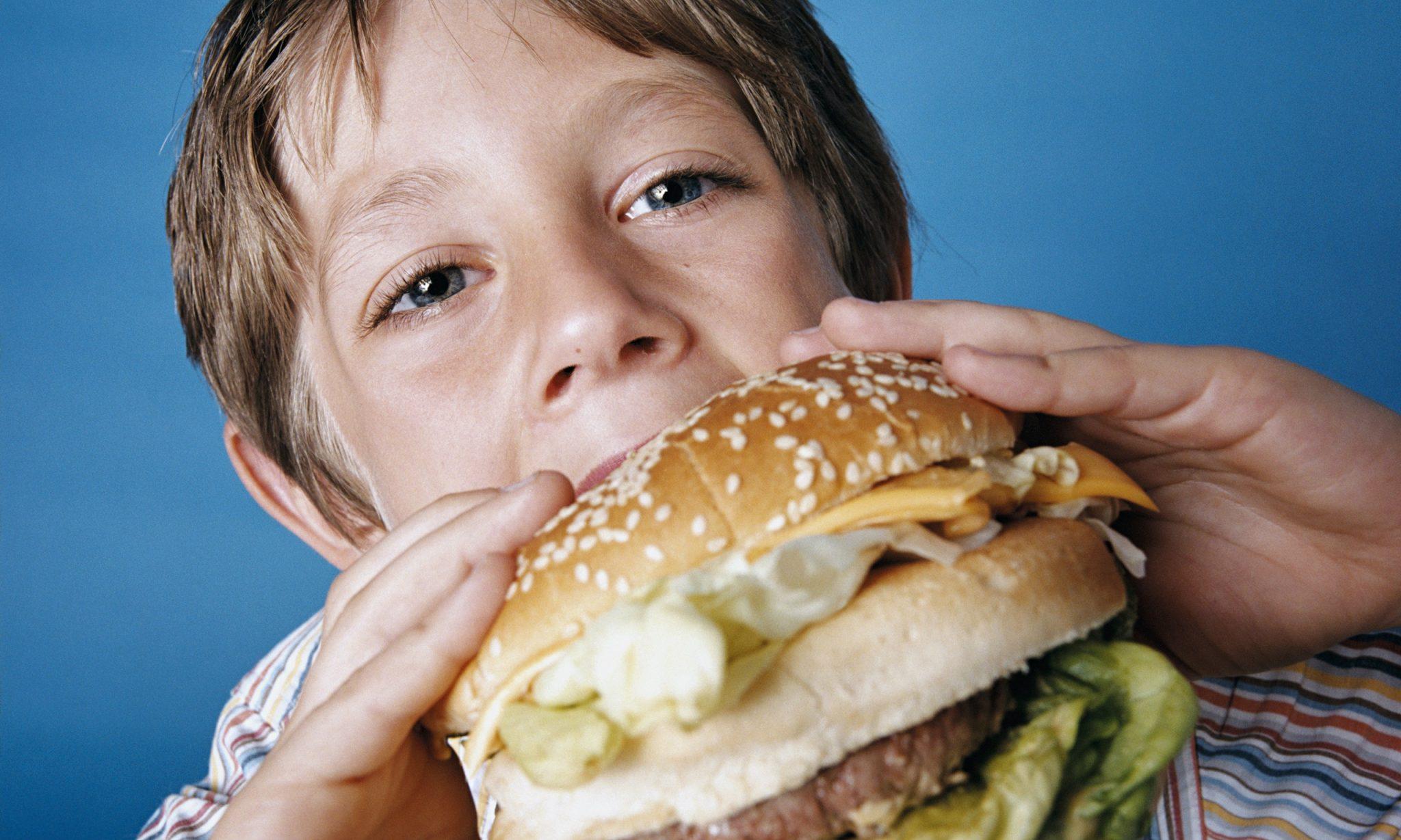 درمان چاقی کودکان رفتار با کودک چاق