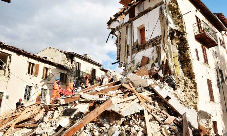 اقدامات لازم هنگام زلزله ؛ راهنمای زنده ماندن حین زلزله و پس از آن