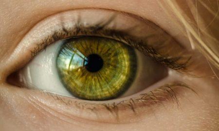 امکانات اندروید و iOS برای بیماران آستیگماتیسم و کوررنگی