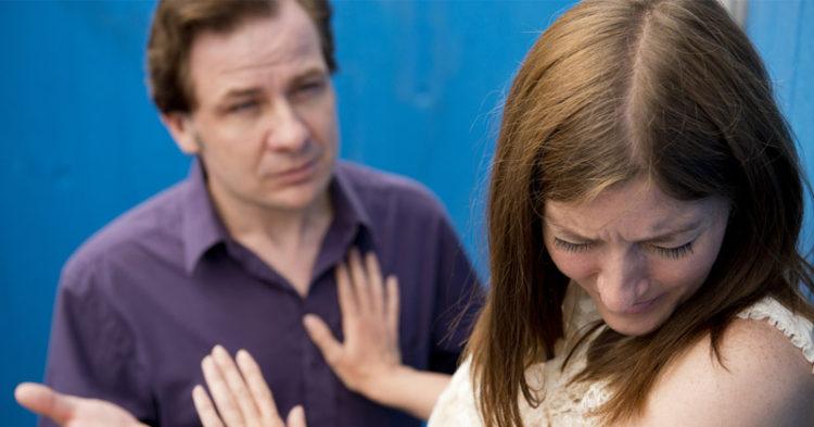 اختلال شخصیت مرزی چیست ؟ ویژگی های این بیماری روانی را بشناسید !