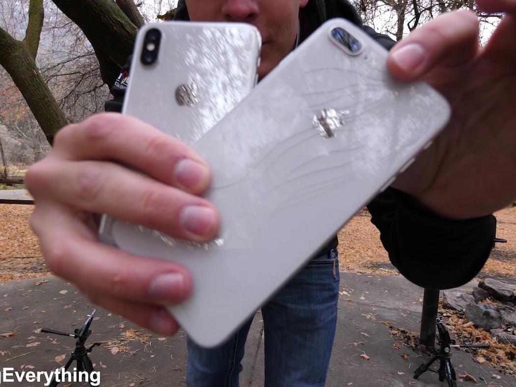 تست سقوط iPhone