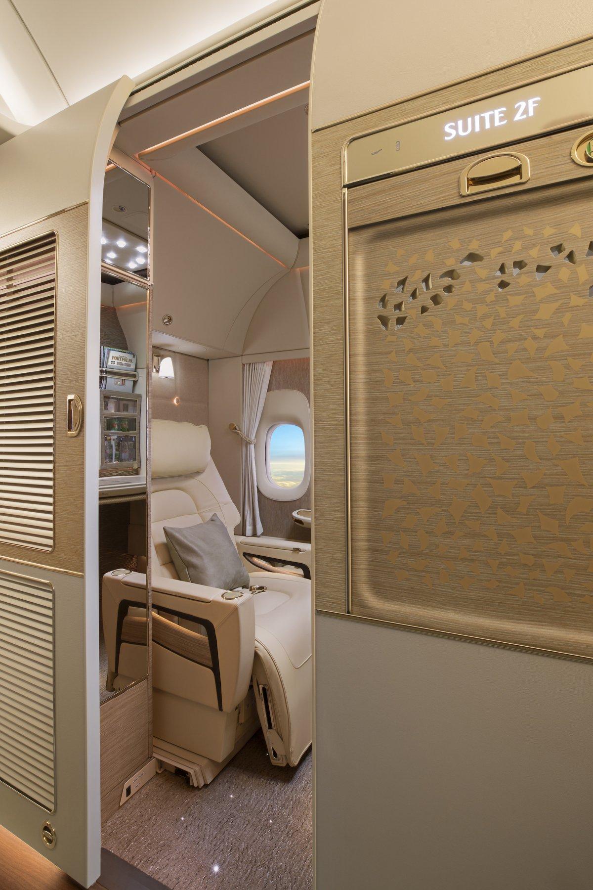 هواپیمای بوئینگ 777-300ER امارات
