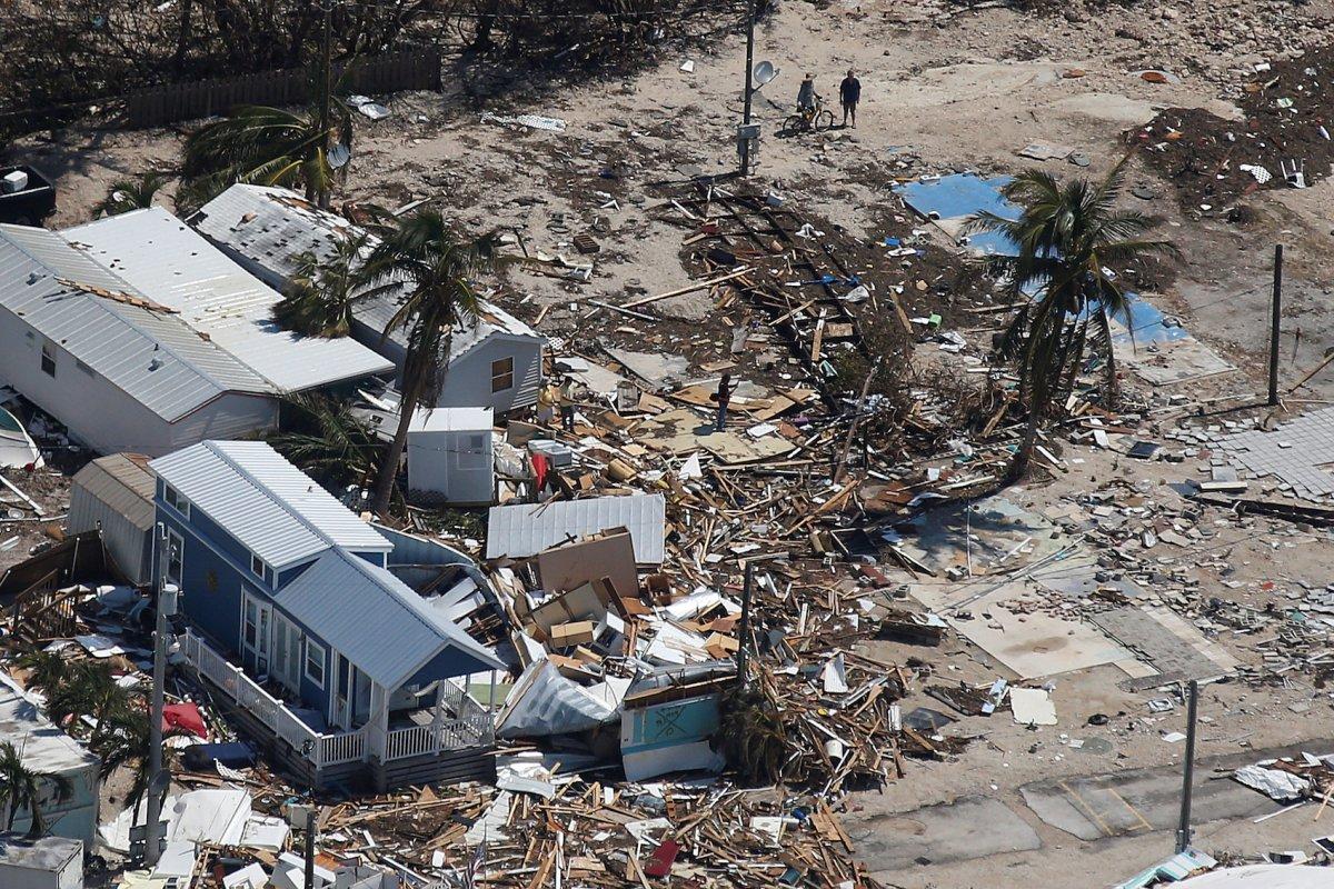خراب شدن پارک تریلر در فلوریدا کیز توسط طوفان