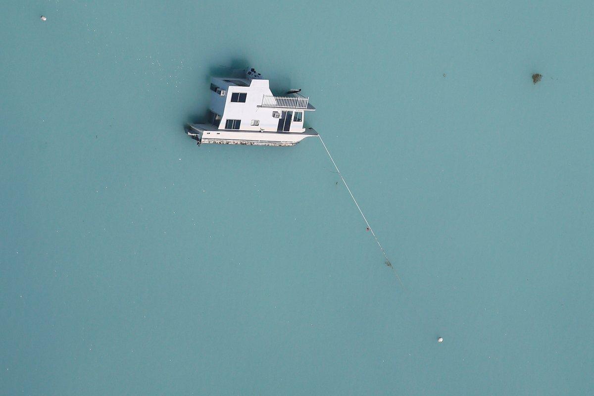 پیدا شدن یک قایق غرق شده پس از طوفان ایرما در نزدیک جزایر فلوریدا کیز