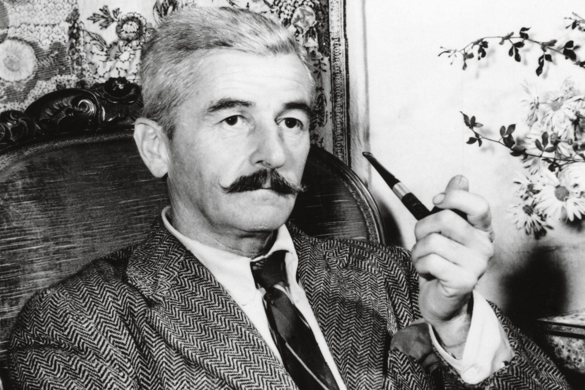 ویلیام کاتبرت فاکنر (به انگلیسی: William Cuthbert Faulkner)  (۱۸۹۷ - ۱۹۶۲) رماننویس آمریکایی و برندهٔ جایزه نوبل ادبیات بود. فاکنر در سبکهای گوناگون شامل رمان، داستان کوتاه، نمایشنامه، شعر و مقاله صاحب اثر است. شهرت او عمدتاً به خاطر رمانها و داستانهای کوتاهش است که بسیاری از آنها در شهر خیالی یوکناپاتافا (به انگلیسی: Yoknapatawpha County) اتفاق میافتد که فاکنر آن را بر اساس ناحیهٔ لافایت (به انگلیسی: Lafayette)، که بیشتر زندگی خود را در آنجا سپری کرده بود، و ناحیه هالی اسپرینگز/مارشال (به انگلیسی: Holly Springs/Marshall) آفریدهاست.
