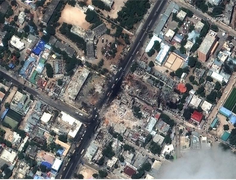 تروریست ها یک کامیون حامل بمبی ویرانگر را در سومالی انفجار کردند.