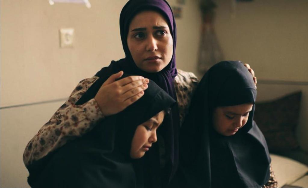فیلم سینمایی ویلایی ها - منیر قیدی