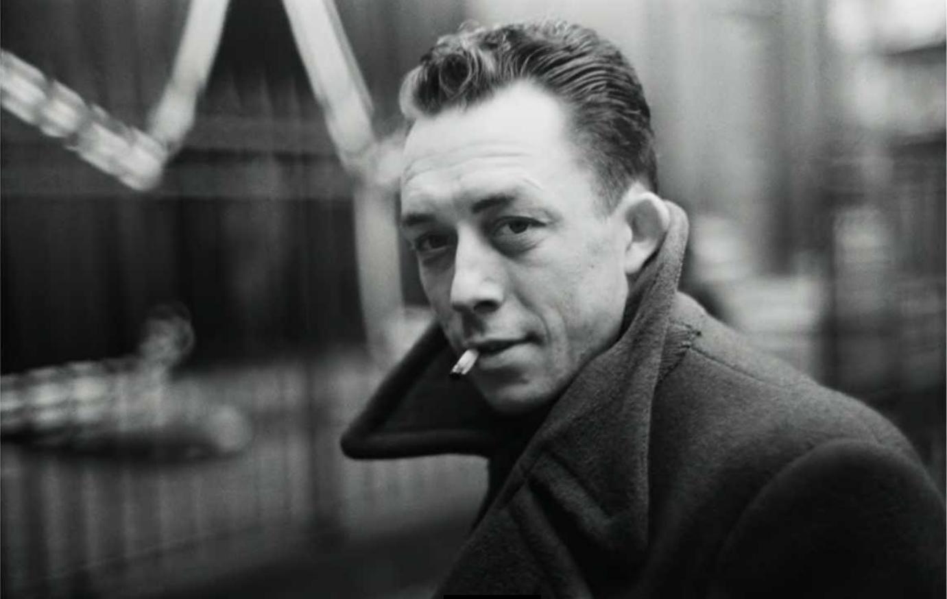 Albert Camus در سال ۱۹۵۷ میلادی برندهی جایزه نوبل ادبیات شد.