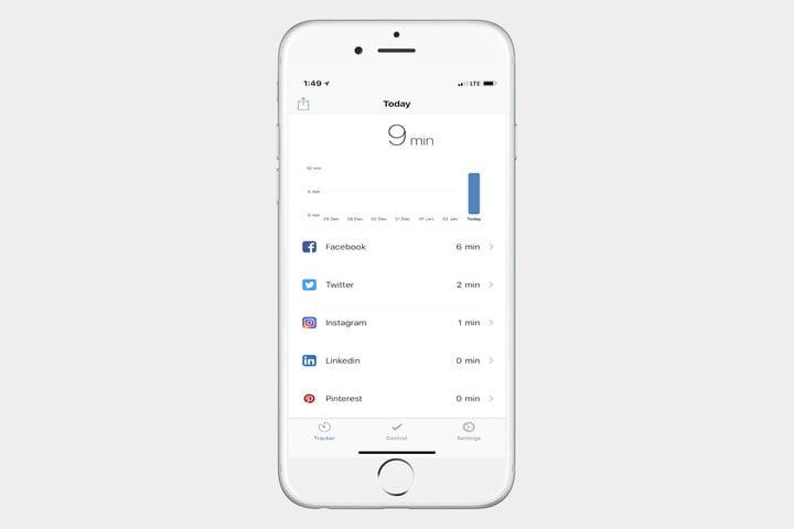 In Moment اطلاعات حضور شما در رسانههای اجتماعی را بر حسب تاریخ ردیابی و فراهم میکند و به ترک اعتیاد به گوشی کمک شایانی خواهد کرد.