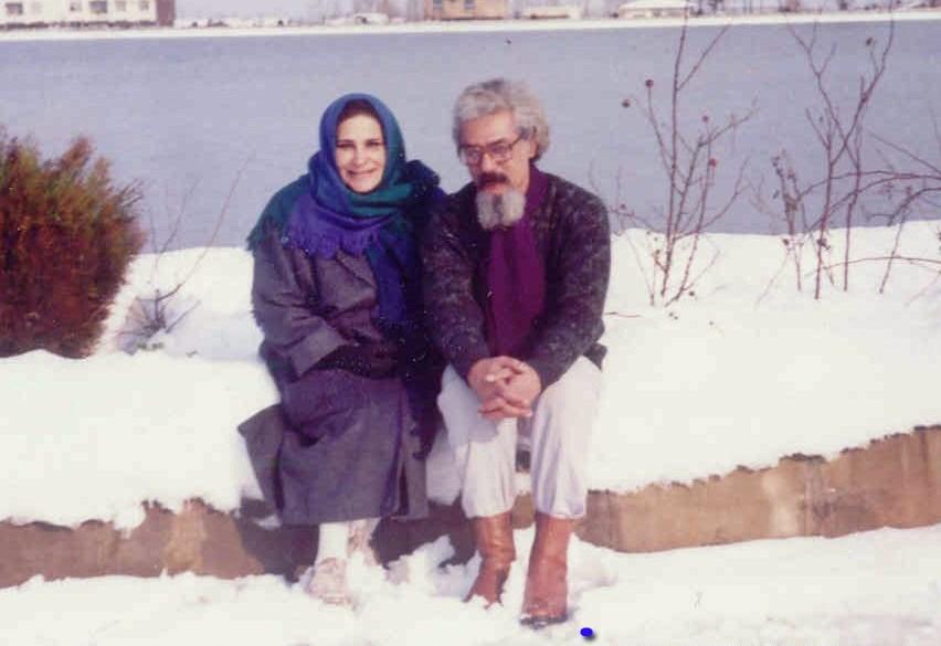بیژن نجدی شاعر و داستاننویس گیلانی متولد ۱۳۲۰است که در سال ۱۳۷۶ در لاهیجان درگذشت. تنها مجموعه داستان او که در زمان حیاتش به چاپ رسید