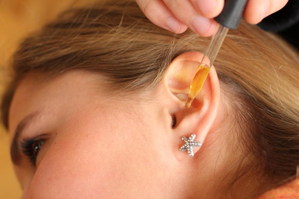 برای درمان وزوز گوش از روغن زیتون میتوان استفاده کرد
