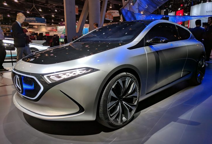 Mercedes EQA در CES 2018