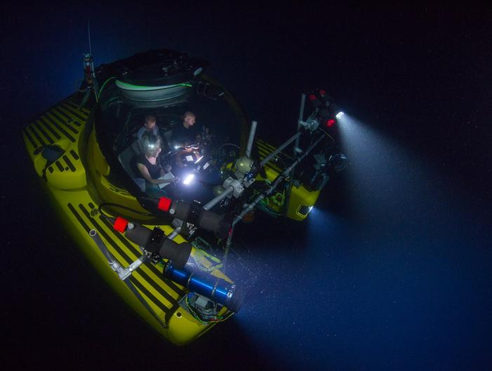 زیردریایی تیم تهیه سیاره آبی2