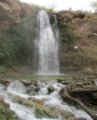 راهنمای سفر به آبشار آبگرم کلات