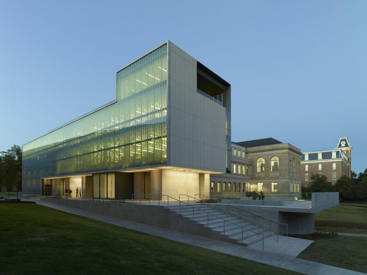 ساختمان Vol Walker Hall در دانشگاه آرکانزاس