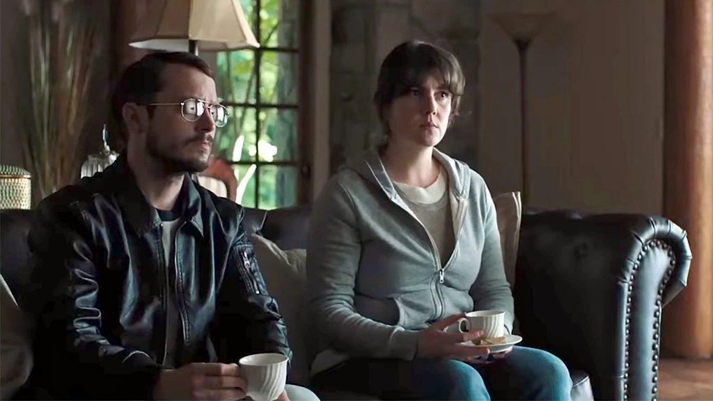 فیلم I Don't Feel at Home in This World Anymore لحن متفاوتی برای ابراز کلامش دارد. مرزی است که مدام در بین حالت جدی و شوخی در حال سیال بودن است.