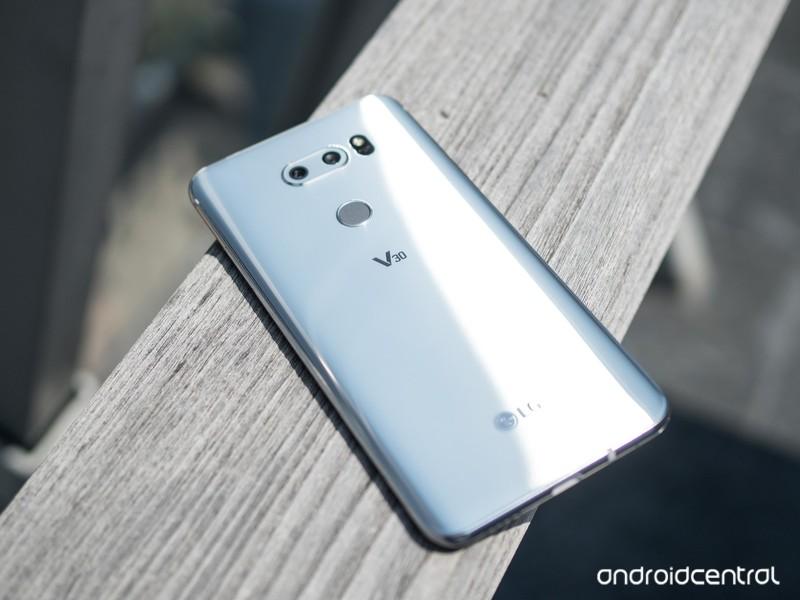 گوشی الجی V30