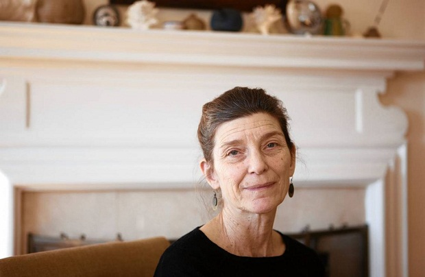 اِلنا فرانته (ایتالیایی: Elena Ferrante]، زادهٔ ۱۹۴۳ میلادی در ناپل، نام مستعار نویسندهٔ مطرح زن اهل ایتالیاست، که بهصورت ناشناس فعالیت میکند