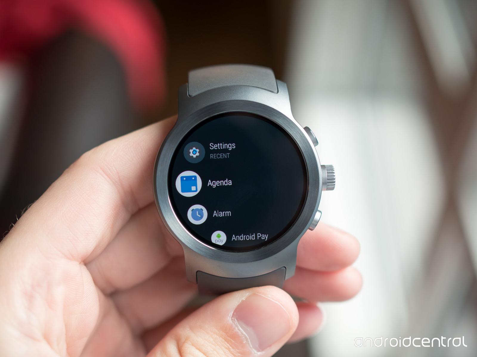 """احتمالا گوگل نام تجاری Android Wear را به """"Wear OS"""" تغییر می دهد"""
