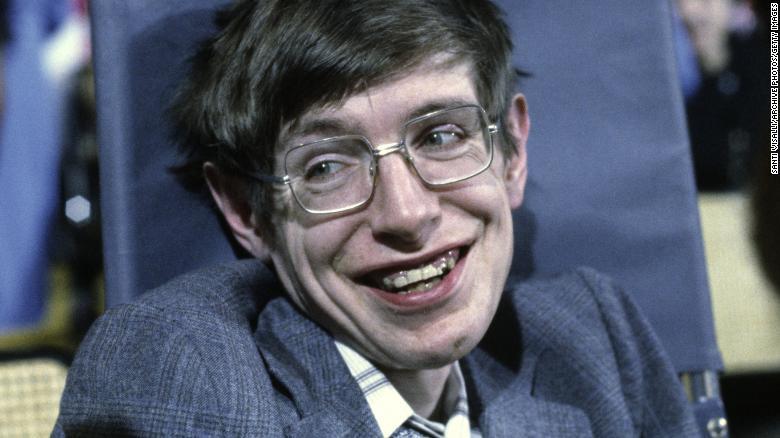 استیونن هاوکینگ کیهانشناس معروف در 10 اکتبر 1979 در پرینستون، نیوجرسی.