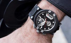 X-ONE H1، ساعت هوشمندی که متون را بصورت کد مورس نمایش می دهد.