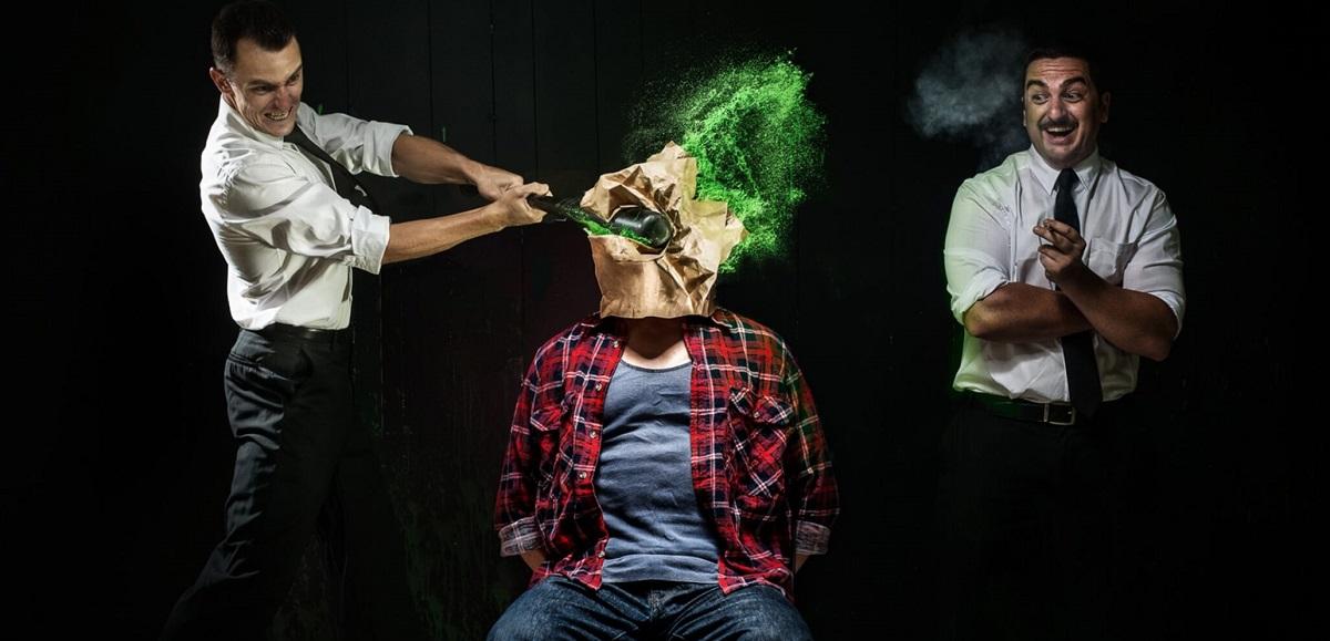 نمایشنامه مرد بالشی اثر مارتین مک دونا