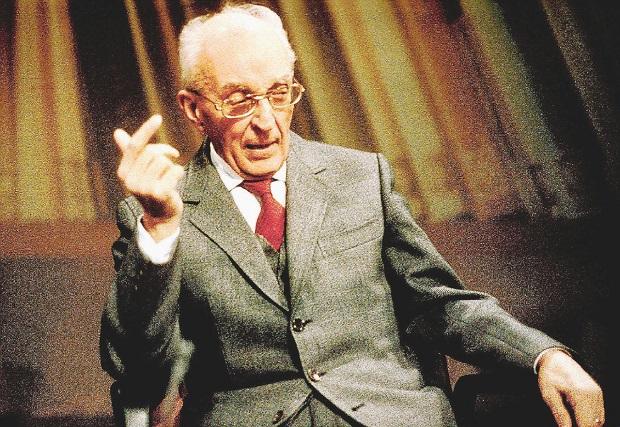 پیرو کیارا (به ایتالیایی: Piero Chiara)، (زاده ۱۳ مارس ۱۹۱۳ - درگذشته ۳۱ دسامبر ۱۹۸۶)، نویسنده ایتالیایی