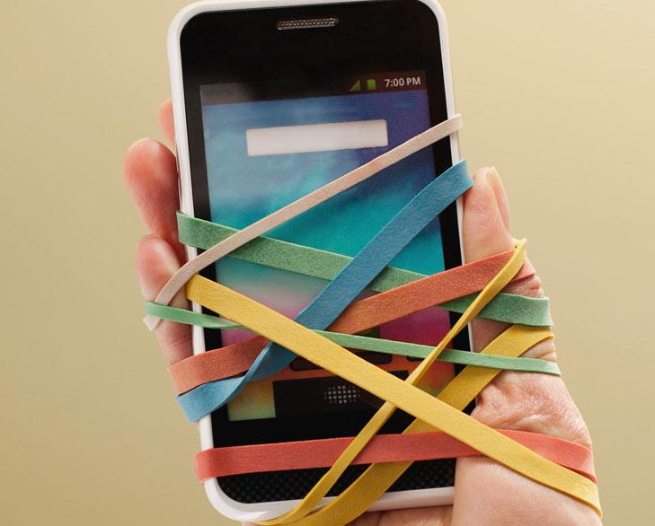 یک نوار یا یک برچسب به روی موبایل خود بزنید و سرعت خود را هنگام کنترل کردن بالا ببرید تا زمان که برای بررسی کوتاه موبایلتان اقدام میکنید کمتر از چند دقیقه آن یادآور شما را خسته کند