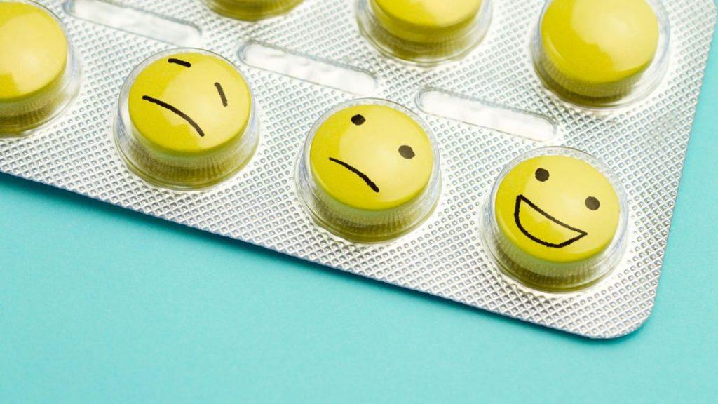در صورتیکه تحت نظر پزشک متخصص تحت درمان با آلپرازولام هستید به هیچ عنوان مصرف دارو را خودسرانه قطع نکنید